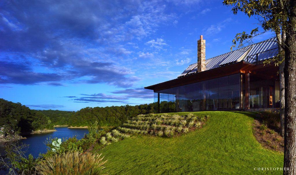 Modern Farmhouse Glass Facade and Surrounding Views